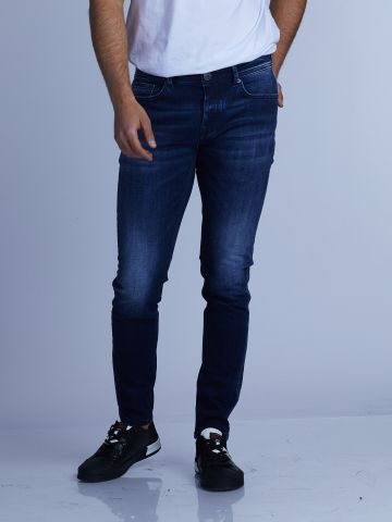 ג'ינס קלאסי גובה מותן בינוני