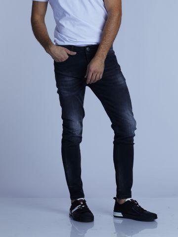 ג'ינס קלאסי משופשף הדוק למטה