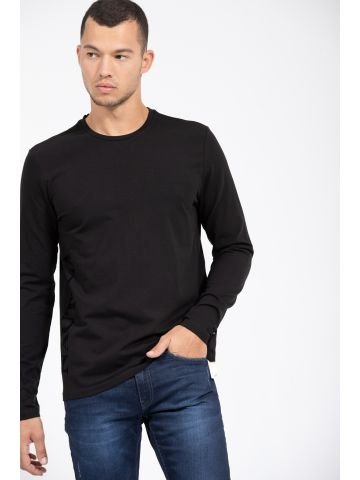 החולצה הזו שתסתדר עם כל ג'ינס ברמודה או טריינינג שתבחר