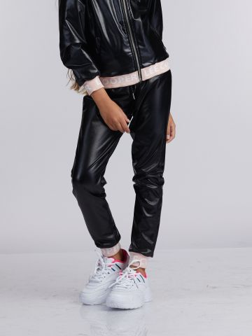 מכנסי PU עם חגורת גומי ממותגת