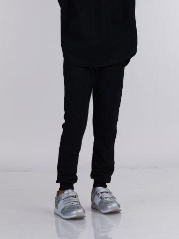 מכנס פוטר עם לוגו מוטבע