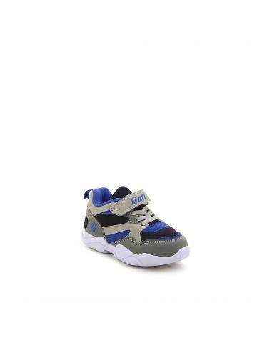 נעלי ספורט טרנדיות במראה זמש