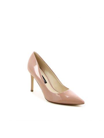 נעלי עקב אלגנטיות