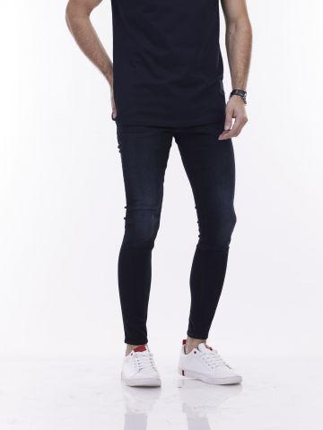 ג'ינס כהה בגזרת סקיני