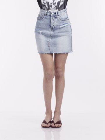 חצאית ג'ינס עם קרעים