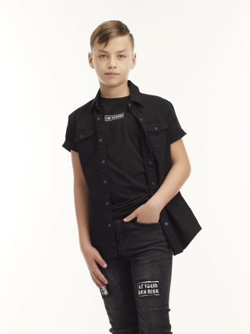חולצת ג'ינס שחורה
