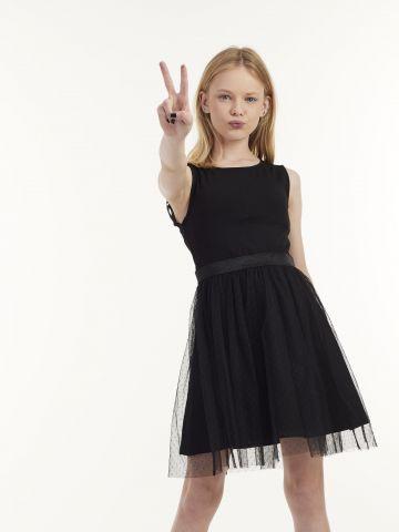 שמלה עם פתח בגב