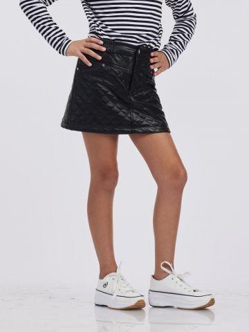 חצאית קלאסית אלגנטית