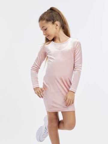 שמלת קטיפה עם סרט בגב