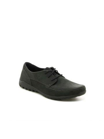 נעליים שחורות במראה מוקסין