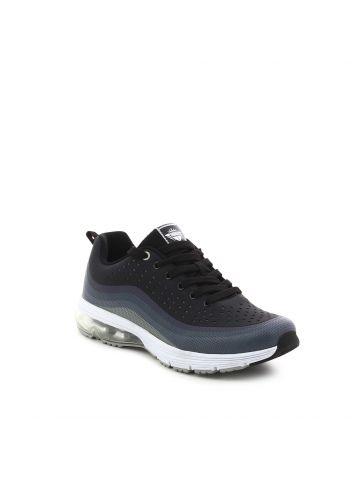 נעלי הליכה שחורות עם חירורים