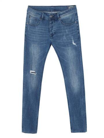 JAMES ג'ינס משופשף עם טלאים