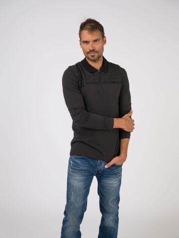 חולצת פולו עם הדפס ריבועים