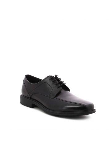 נעלים שחורות מחוייטות