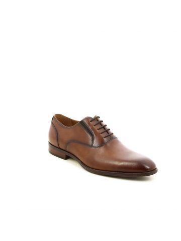 נעליים אלגנטיות עם שרוכים