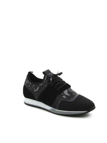 נעליים אורבניות במראה מליטנטי