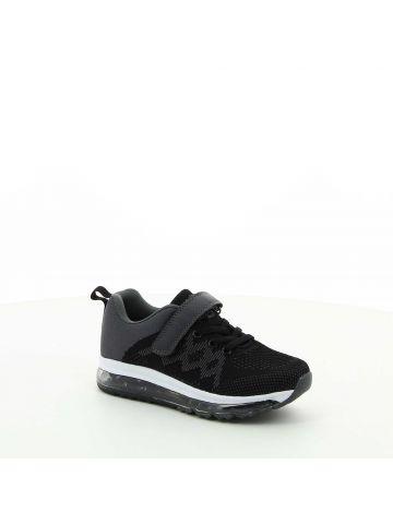 נעלי ספורט שחורות במראה סרוג