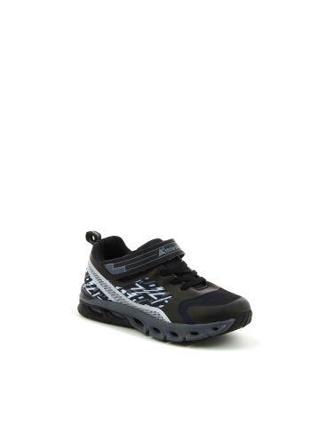 נעלי ספורט מגניבות עם סקוץ'