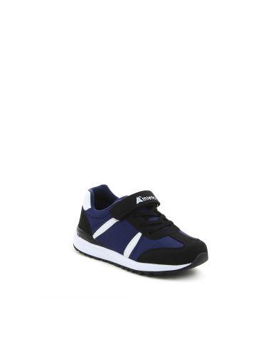 נעלי ספורט טרנדיות נייבי