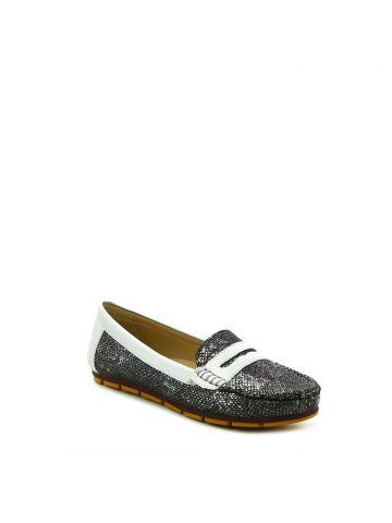 נעלי מוקסין מנוחשות