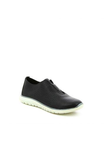 נעלי הליכה חירורים