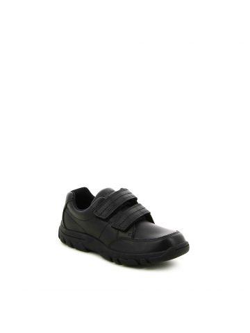 נעלי הליכה שחורות עם סקוצ'ים