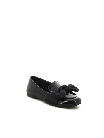 נעלי מוקסין שחורות עם פפיון