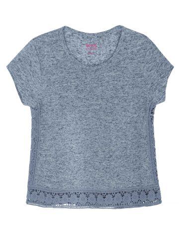 חולצת טי סיומת תחרה