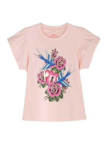 חולצת טי פרחים וציפורים