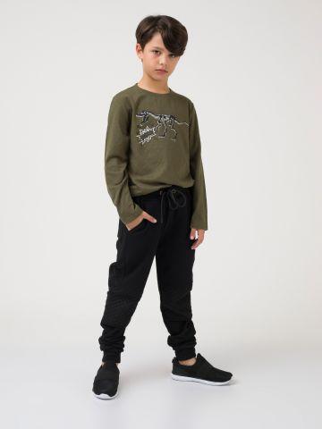 מכנסי טרנינג שחורים