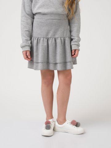 חצאית קז'ואל במראה שכבות