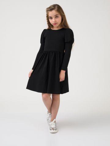 שמלת סריג עם שרוולים נפוחים