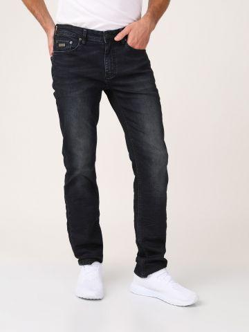 ג'ינס משופשף גזרה רחבה