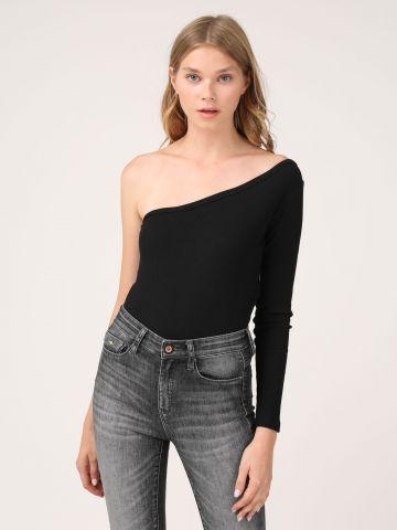 חולצה א-סימטרית שרוול אחד