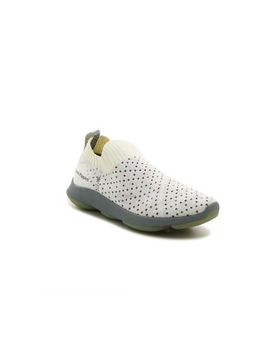 נעלי הליכה גרב