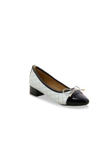 נעלי סירה חרטום לקה