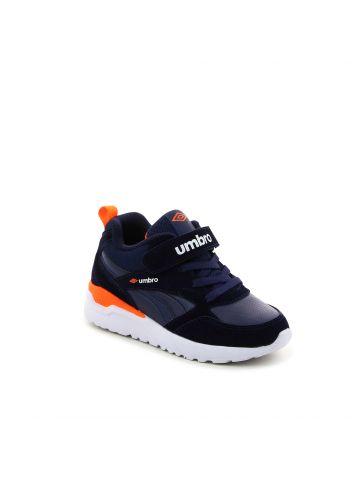 נעלי ספורט חירורים