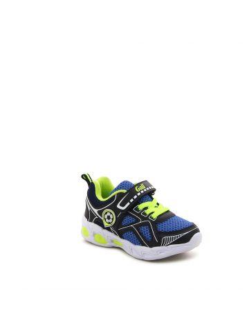 נעלי ספורט עם קישוט כדורגל
