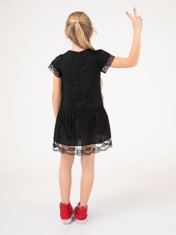 שמלה רומנטית סיומת תחרה