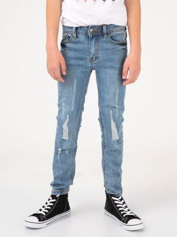 ג'ינס קרעים חתיכי