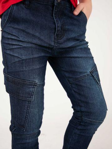 מכנסי ג'ינס במראה דגמח