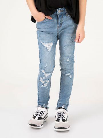 ג'ינס קרעים מדליק